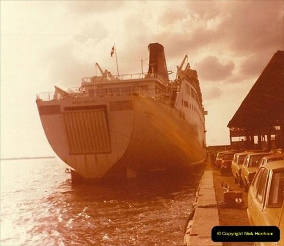 1975-07. Harwich, Essex.  (5)019