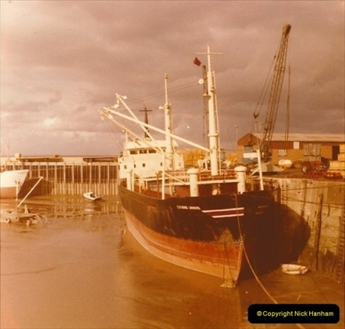 1975-09. Brixham, Devon.  (1)023