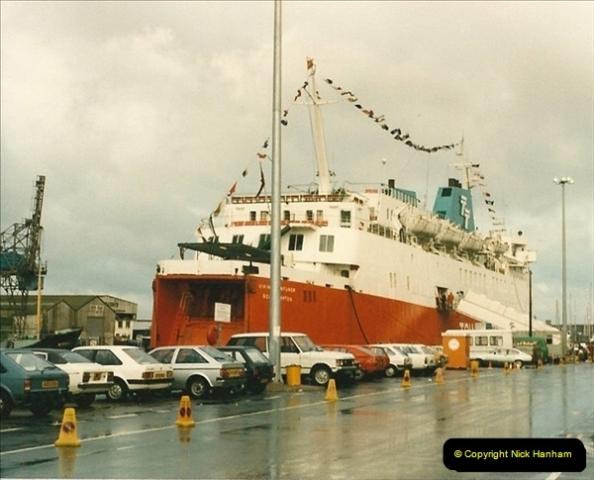 1985-09-03 PooleQuay, Dorset.  (2)109