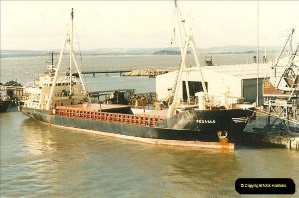 1985-09-03 PooleQuay, Dorset.  (9)116