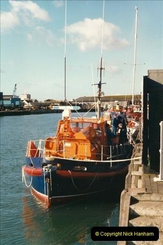 1989-02-20 Poole Quay, Dorset.  (4)164