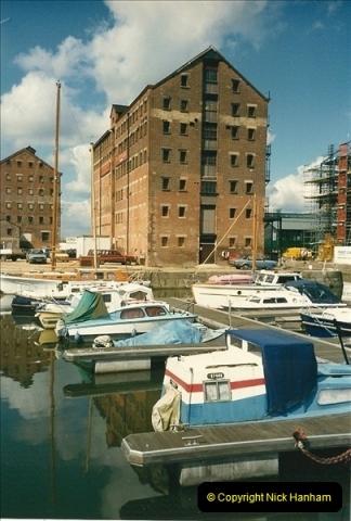 1989-04-14 Gloucester Docks, Gloucestershire. (4)168
