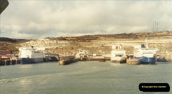1990-02-18. Dover, Kent.  (5)182