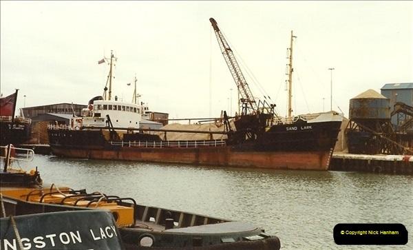 1990-03-04 Poole Quay, Dorset.  (1)183