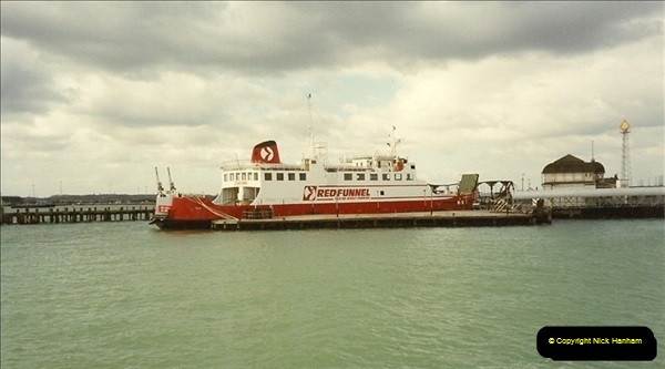 1990-03-25 Southampton, Hampshire.  (1)185
