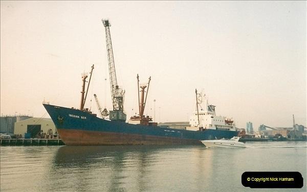 1991-12. Poole Quay, Dorset.194