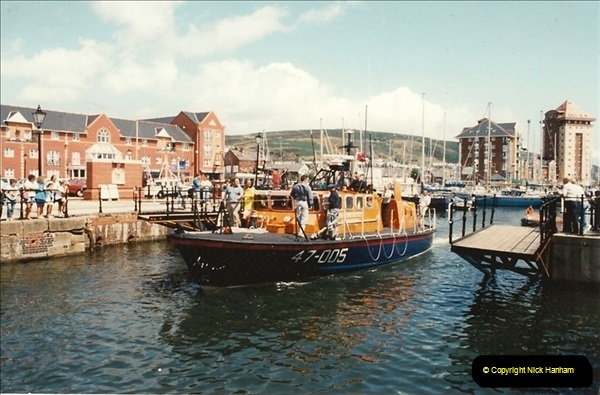 1992-07-19 Swansea, Glamorgan.  (5)209
