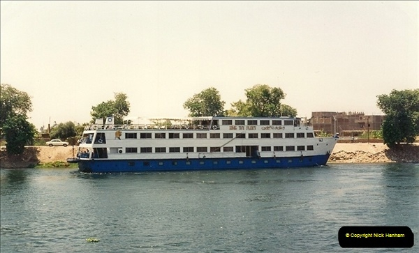 1994-08-08 to 15-08. Luxor & The Nile, Egypt.  (8)238