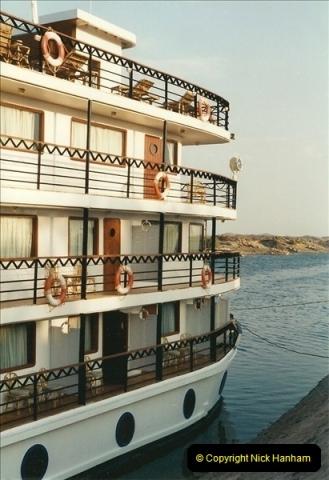 1995-07-17 to 24-07. Aswan, Lake Nasser, Abu Simbel, Aswan (5)298