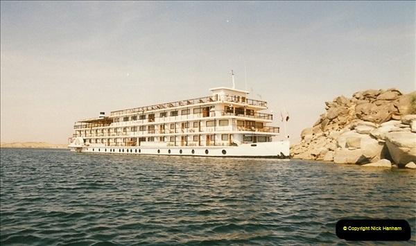 1995-07-17 to 24-07. Aswan, Lake Nasser, Abu Simbel, Aswan (6)299