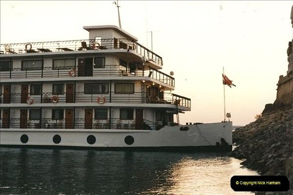 1995-07-17 to 24-07. Aswan, Lake Nasser, Abu Simbel, Aswan (8)301