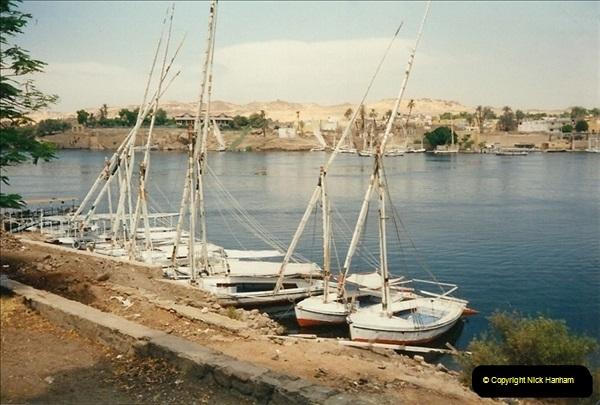 1995-07-17 to 24-07. Aswan, Lake Nasser, Abu Simbel, Aswan (19)309