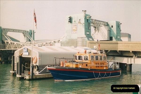 1996-02-10 Poole Quay, Dorset.  (2)339