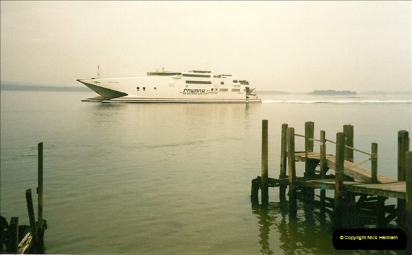 1998-03-21 The Haven, Poole, Dorset.  (1)402