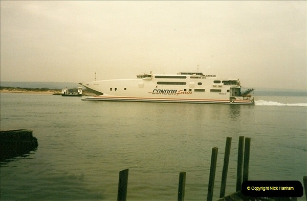 1998-03-21 The Haven, Poole, Dorset.  (2)403