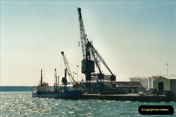 2000-09-03 Poole Quay, Dorset.  (1)495