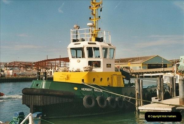 2000-09-03 Poole Quay, Dorset.  (5)499