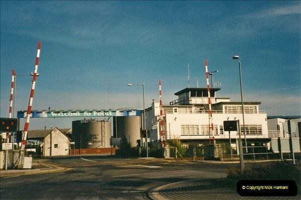 2001-01-28 Poole Quay, Dorset.  (2)521
