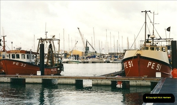 2001-04-08. Poole Quay, Dorset. (2)530