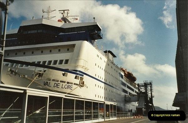 2001-09-21. Plymouth, Devon. (3)543