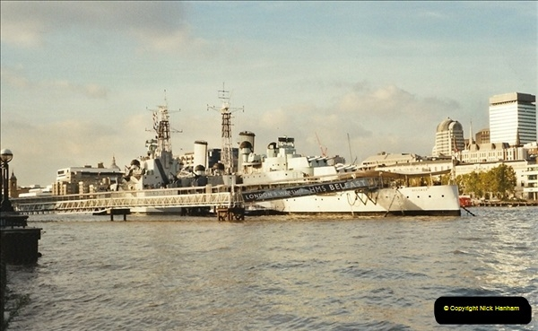 2001-11-01 HMS Belfast, River Thames, London.  (2)554