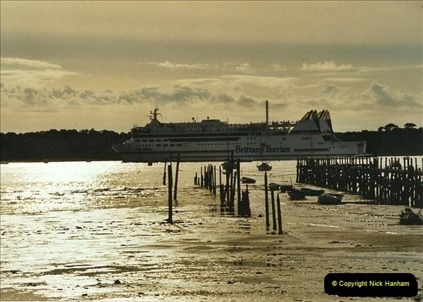 2002-10-19. Poole Harbour, Dorset.667