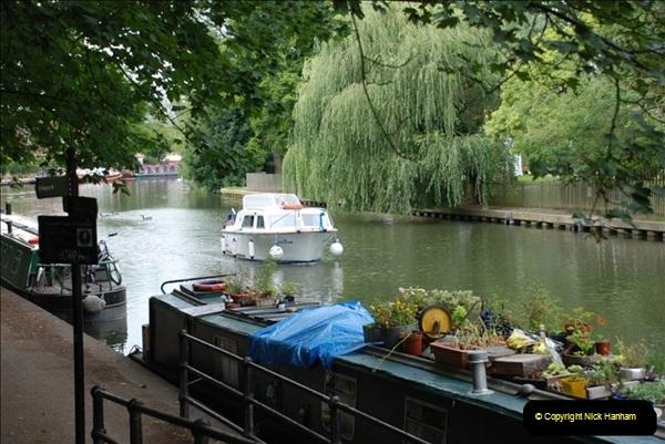 2011-08-06 The Lee Navigation, St. Margarets, Hertfordshire.  (2)198