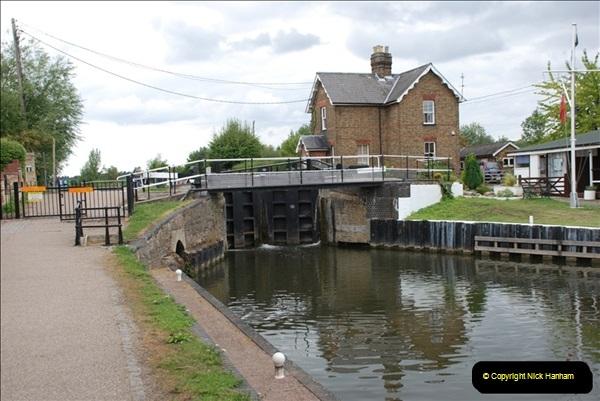 2011-08-06 The Lee Navigation, St. Margarets, Hertfordshire.  (9)205