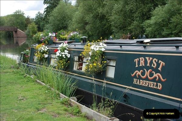 2011-08-06 The Lee Navigation, St. Margarets, Hertfordshire.  (53)249
