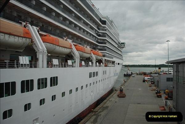 2012-05-22 P&O Arcadia ship visit.  (22)022
