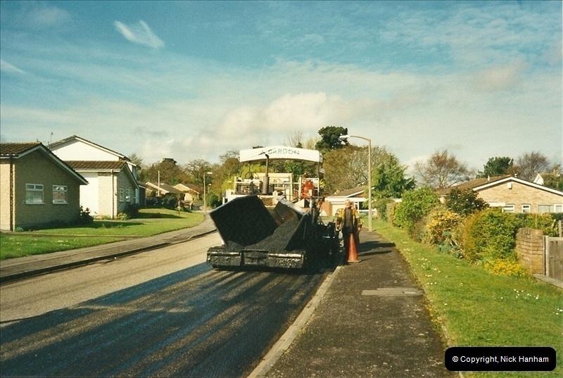 2000-04-13. Resurfacing work, Poole, Dorset. (10)060060