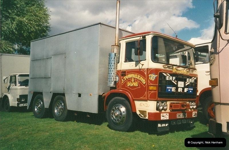 2000-08-19 Christchurch, Dorset.  (1)086086