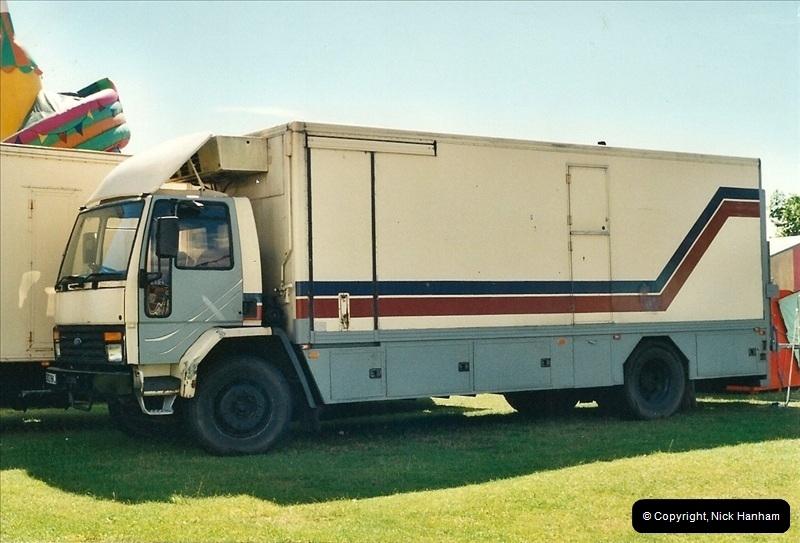 2000-08-19 Christchurch, Dorset.  (9)094094