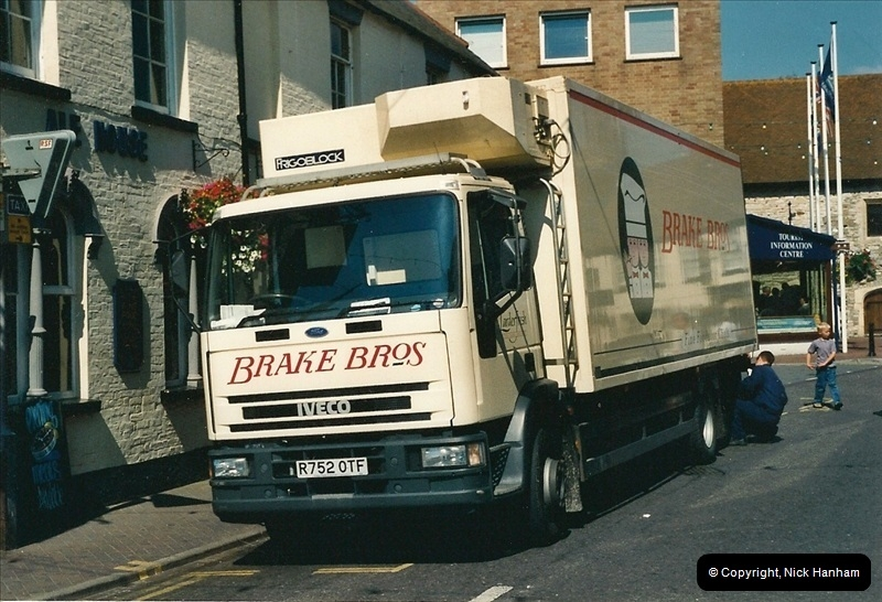 2000-08-23 Poole, Dorset.  (1)095095