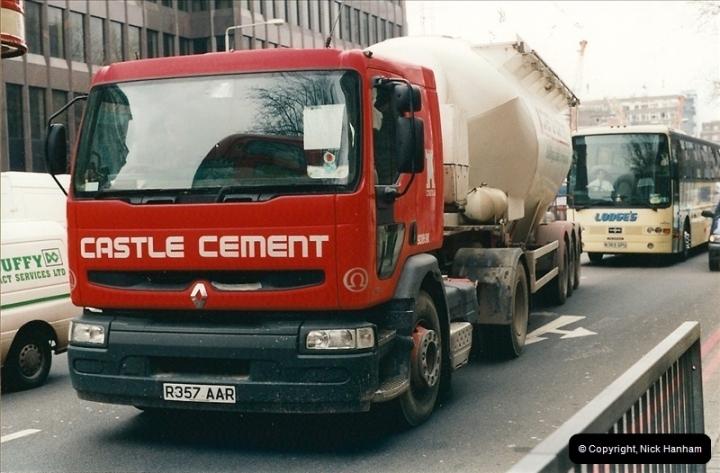 2001-03-27 London.  (2)144144
