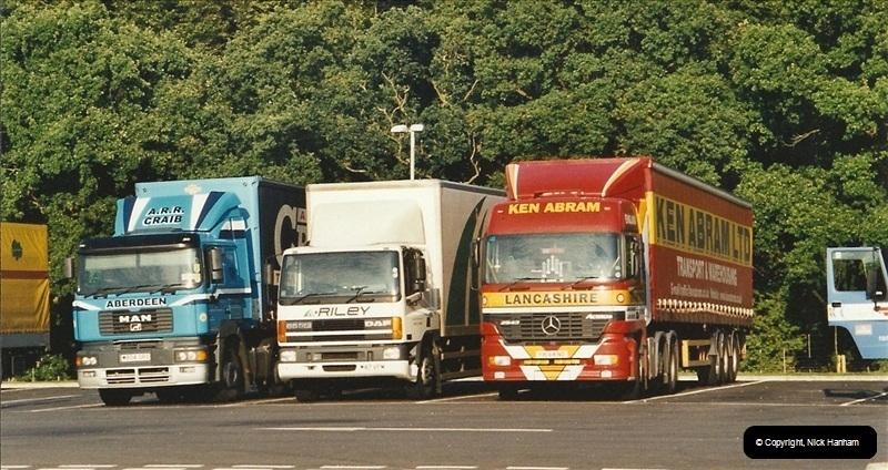 2001-08-22 M3 Services @ Winchester, Hampshire.  (1)184184