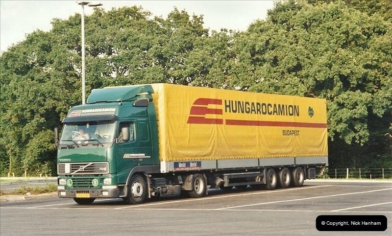 2001-08-22 M3 Services @ Winchester, Hampshire.  (2)185185