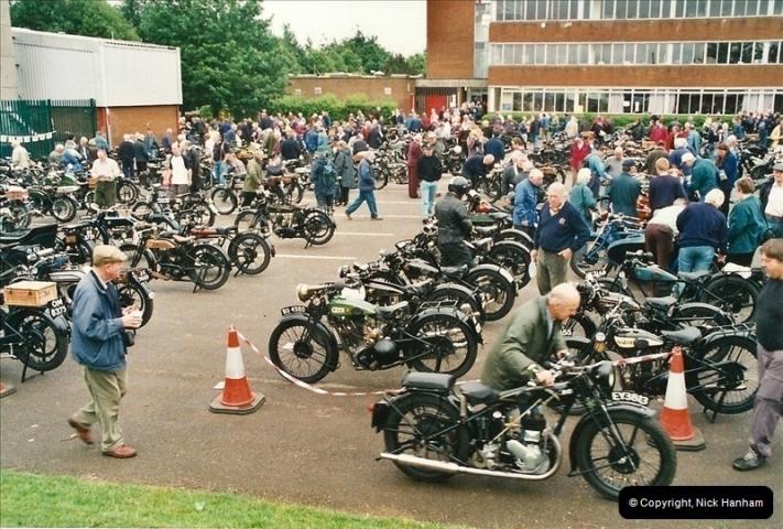 2002-06-17. The Vintage Motorcycle Club's Banbury Run, Banbury, Oxfordshire. (1)205205