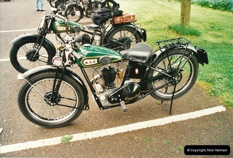 2002-06-17. The Vintage Motorcycle Club's Banbury Run, Banbury, Oxfordshire. (3)207207