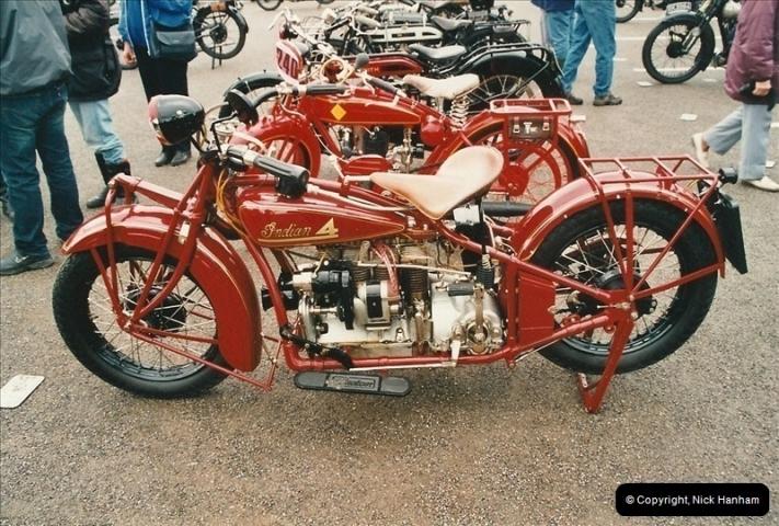 2002-06-17. The Vintage Motorcycle Club's Banbury Run, Banbury, Oxfordshire. (4)208208
