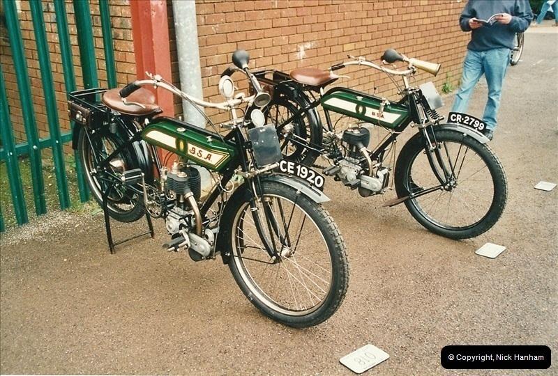 2002-06-17. The Vintage Motorcycle Club's Banbury Run, Banbury, Oxfordshire. (6)210210
