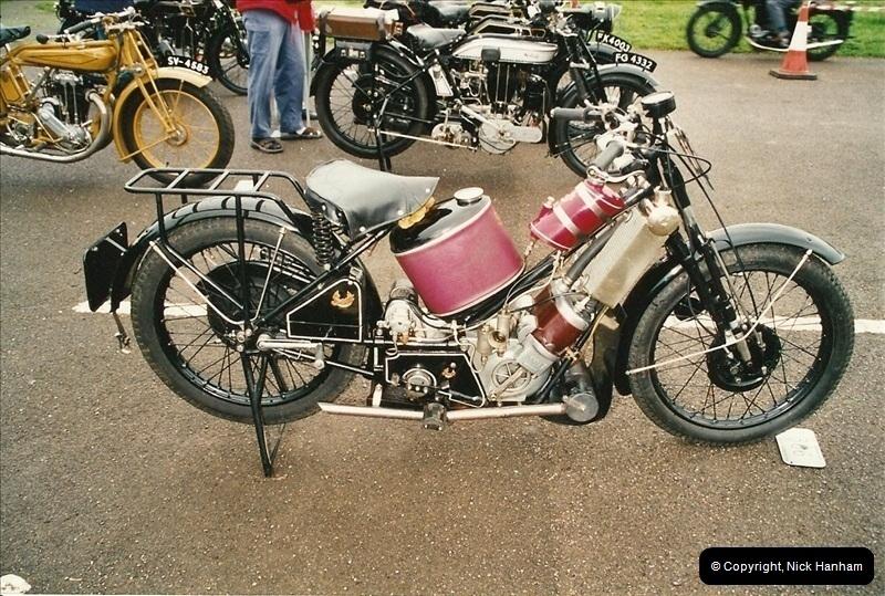 2002-06-17. The Vintage Motorcycle Club's Banbury Run, Banbury, Oxfordshire. (11)215215