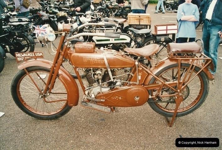2002-06-17. The Vintage Motorcycle Club's Banbury Run, Banbury, Oxfordshire. (13)217217