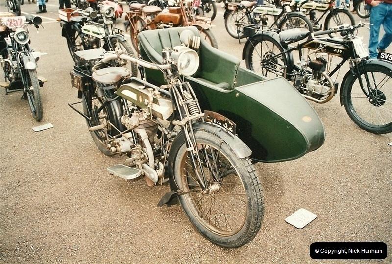 2002-06-17. The Vintage Motorcycle Club's Banbury Run, Banbury, Oxfordshire. (14)218218