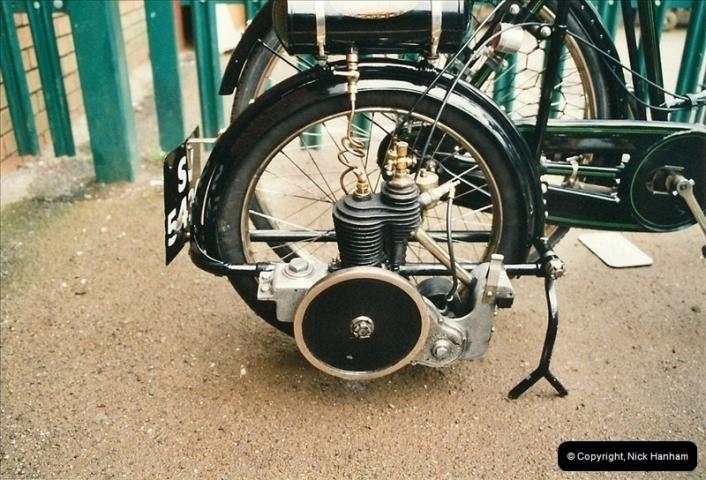 2002-06-17. The Vintage Motorcycle Club's Banbury Run, Banbury, Oxfordshire. (16)220220
