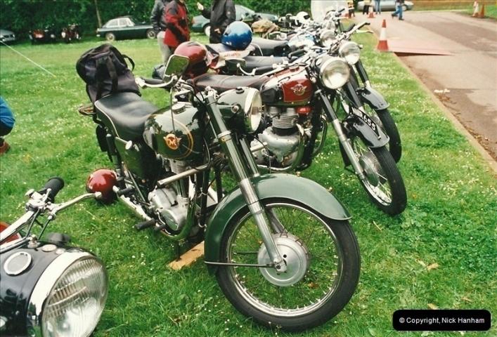2002-06-17. The Vintage Motorcycle Club's Banbury Run, Banbury, Oxfordshire. (18)222222