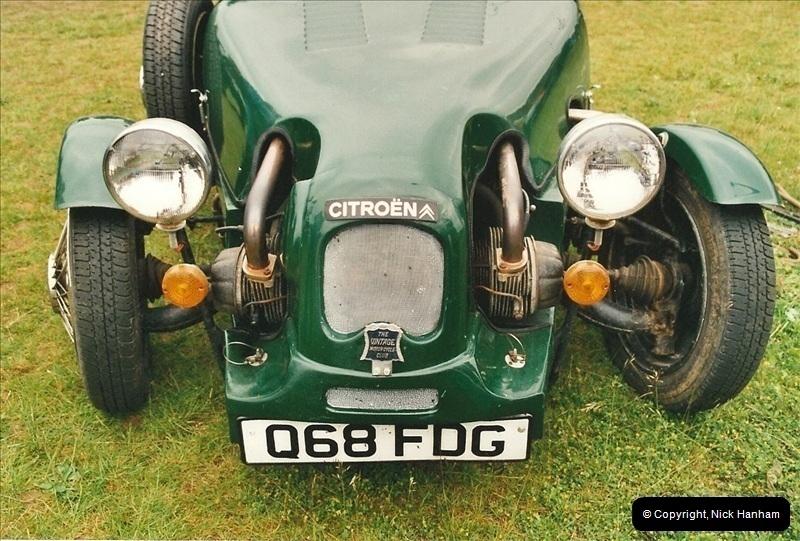 2002-06-17. The Vintage Motorcycle Club's Banbury Run, Banbury, Oxfordshire. (27)231231