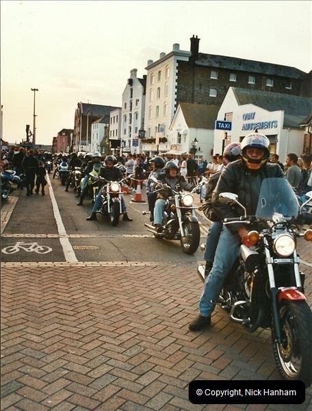2002-08-27. Poole Quay, Poole, Dorset.  (7)264264