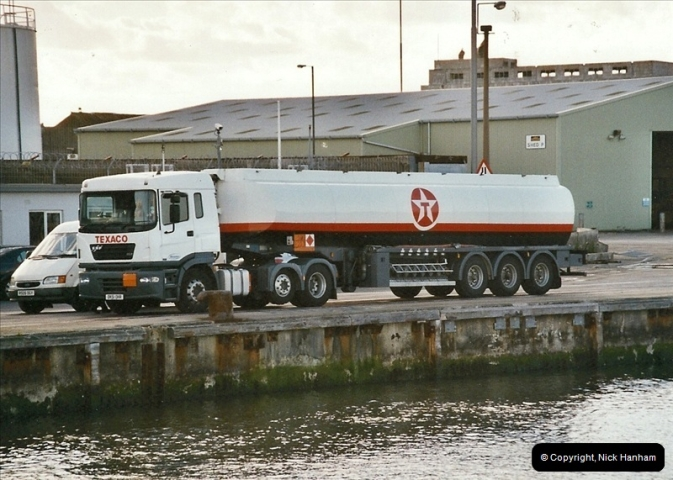 2004-06-24 Poole Quay, Dorset.534534