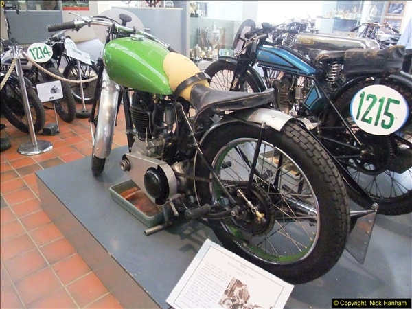 2014-05-17 Brooklands Museum, Weybridge, Surrey (The 1940s Relived).   (571)571